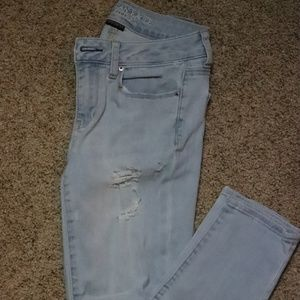 American Eagle Lightwash Skinny Jeans